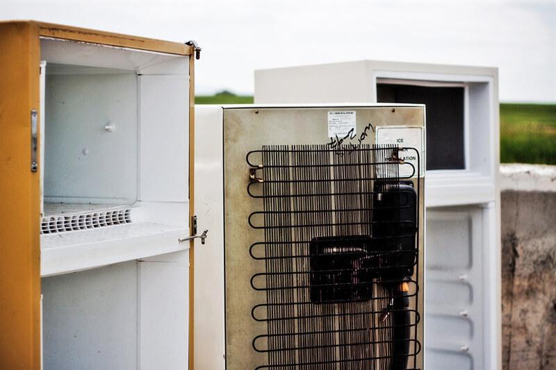 Вывоз старых холодильников 1