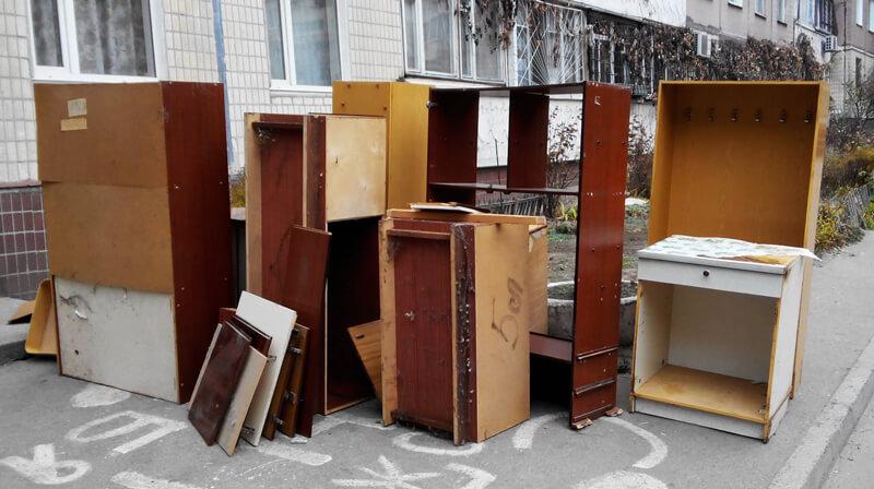 Вывоз старой мебели 1